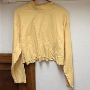 VINTAGE CROPPED YELLOW TURTLENECK